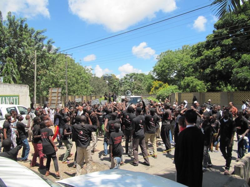 راهپیمایی اربعین حسینی مدرسه بلال -تانزانیا